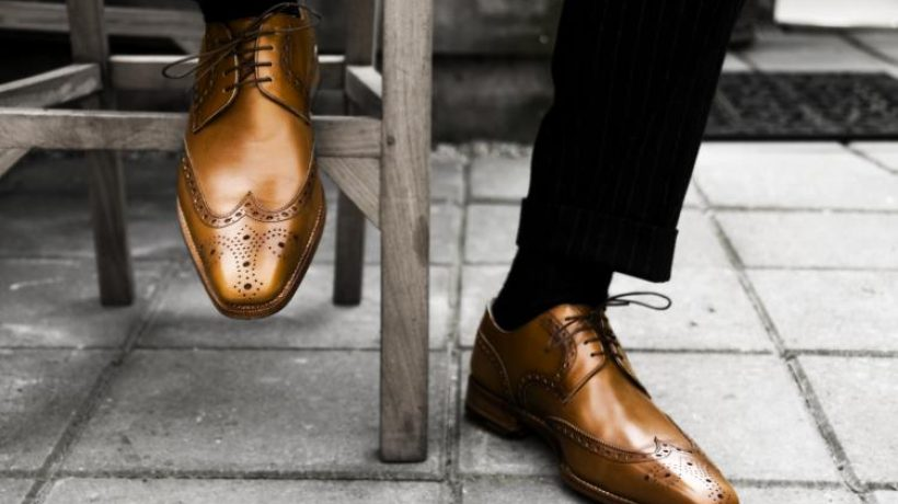 How to wear brown shoes?