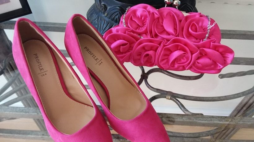 How to wear pink shoes for partying or occasions?
