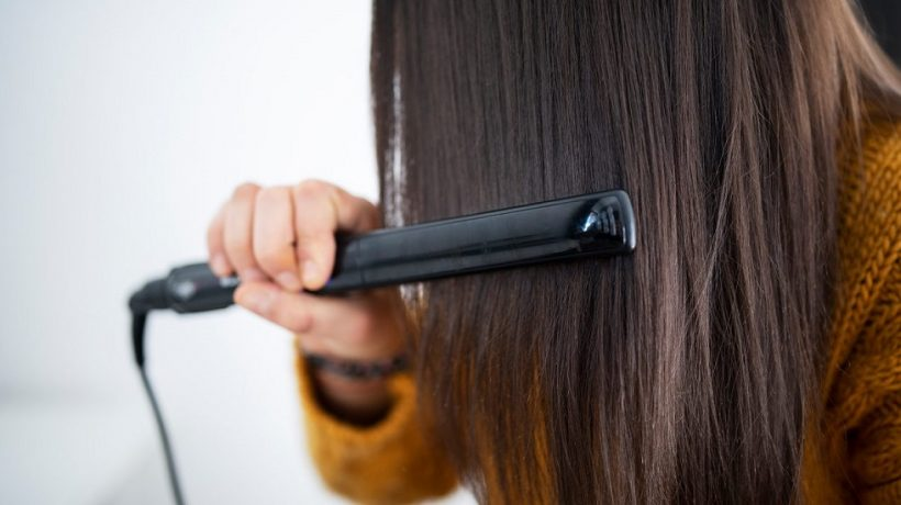 Tips on how to use a hair straightener even in summer
